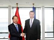 Vu Van Ninh rencontre le vice-président de la CE