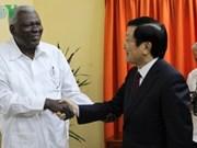 Le Vietnam prend en considération les relations d'amitié traditionnelles avec Cuba