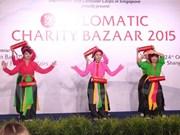 La diplomatie fait de l'humanitaire à Singapour