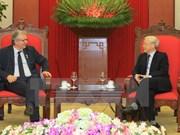 Renforcement des relations entre les Communistes vietnamien et français