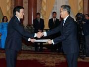 Le président Truong Tan Sang reçoit de nouveaux ambassadeurs