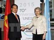 Le PM Nguyen Tan Dung rencontre la directrice générale de l'UNESCO