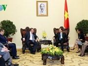 Le vice-PM Vu Van Ninh reçoit le président de la Banque internationale d'investissement