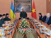Une délégation de vétérans ukrainiens en visite au Vietnam