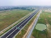 Le PM appelle à améliorer la gestion publique dans les transports