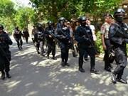Douze arrestations, les assaillants identifiés suite aux attentats de Jakarta