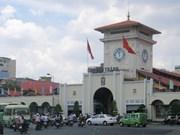 Les habitants de Ho Chi Minh-Ville s'orientent vers le XIIe Congrès national du Parti