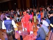 Les Vietnamiens à l'étranger accueillent le Têt traditionnel du Singe