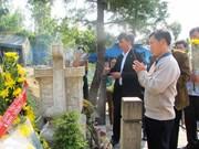 De nombreux visiteurs rendent hommage au général Vo Nguyen Giap