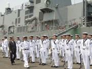 Deux navires militaires japonais visitent le Vietnam