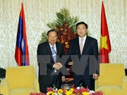Activités du secrétaire général du Parti et président du Laos au Vietnam
