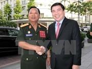 Un dirigeant de Ho Chi Minh-Ville reçoit le ministre laotien de la Défense