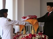 Indonésie : procession du drapeau original pour la Fête de l'Indépendance