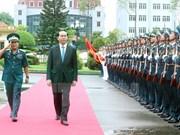 Le président Tran Dai Quang rend visite à l'armée de l'air et de défense antiaérienne