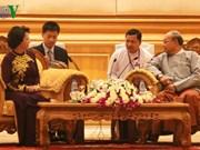 Entrevue entre la présidente de l'AN vietnamienne et le président du Parlement birman