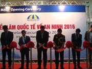 Vernissage de l'exposition internationale sur la sécurité à Hanoï