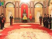 Le président Tran Dai Quang nomme trois nouveaux ambassadeurs