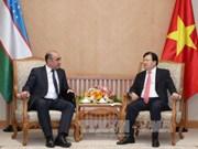 Le vice-PM Trinh Dinh Dung reçoit son homologue ouzbek Mirzaev Zoyir