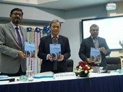 Lancement d'un livre sur le développement économique du Vietnam en Inde