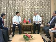 Le vice-PM Pham Binh Minh rencontre le ministre des AE des Philippines