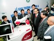 L'hôpital Bach Mai utilise des robots en chirurgie articulaire et neurologique
