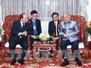 Le PM Nguyen Xuan Phuc poursuit ses activités au Laos