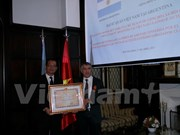 L'ancien ambassadeur d'Argentine au Vietnam à l'honneur