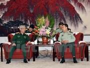 Le vice-président de la Commission militaire centrale chinoise reçoit le général Nguyen Chi Vinh