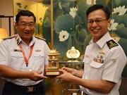 Coopération entre les Marines vietnamienne et singapourienne