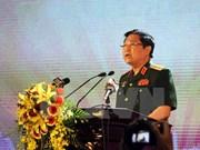 Le président cubain Raul Castro reçoit le ministre vietnamien de la Défense Ngô Xuân Lich