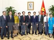 Le vice-PM Vu Duc Dam reçoit le ministre laotien de la Santé, Bounkong Syhavong