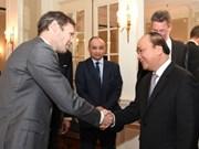 Le Premier ministre Nguyen Xuan Phuc rencontre des investisseurs néerlandais