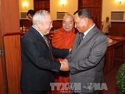 Des dirigeants cambodgiens rencontrent une délégation d'anciens soldats volontaires vietnamiens