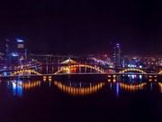 Cinq villes sont éclairées pour marquer le 50e anniversaire de l'ASEAN