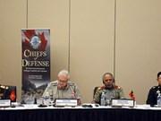 Renforcement des relations de défense entre le Vietnam et d'autres pays