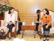 Truong Thi Mai reçoit l'ambassadrice du Canada au Vietnam