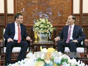 Le président Tran Dai Quang salue de nouveaux ambassadeurs