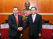 L'ambassadeur de France au Vietnam reçu par Tran Thanh Man