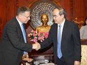 Ho Chi Minh-Ville discute du PPP avec Dornier Consulting