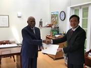 L'Ambassadeur vietnamien à Saint-Vincent-et-les-Grenadines présente ses lettres de créance