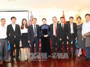 La présidente de l'AN rencontre des Vietnamiens en Australie