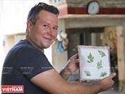 """La fabrication du papier """"do"""" dans la province de Hoà Binh"""