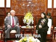 La vice-présidente Dang Thi Ngoc Thinh reçoit une délégation russe