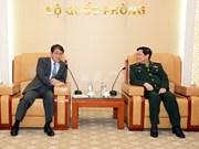 Le ministre de la Défense Ngo Xuan Lich reçoit l'ambassadeur du Japon