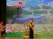 La présidente de l'AN visite des gardes-frontière à Ha Giang