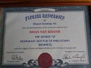 Un paysan vietnamien reçoit un doctorat honoris causa des États-Unis