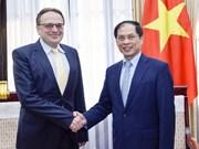 Le Vietnam tient en haute estime les aides humanitaires du Bélarus