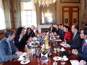 La président de l'AN Nguyen Thi Kim Ngan visite l'Institut de Deltares aux Pays-Bas
