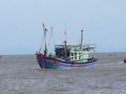 Des bateaux de pêche de Quang Binh sont dotés d'équipements HF