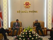 Défense: le Vietnam renforce la coopération avec le Royaume-Uni, Israël et l'Afrique du Sud